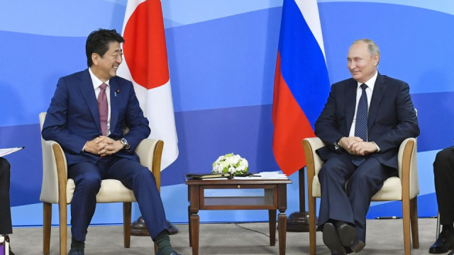 Abe mulls canceling trip to Moscow in May amid coronavirus spread
